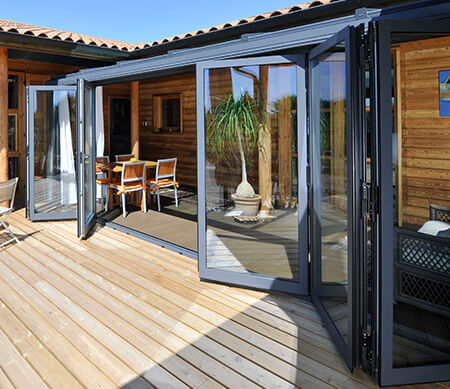 VistaLuxe AL LINE Folding Doors Private House Patio
