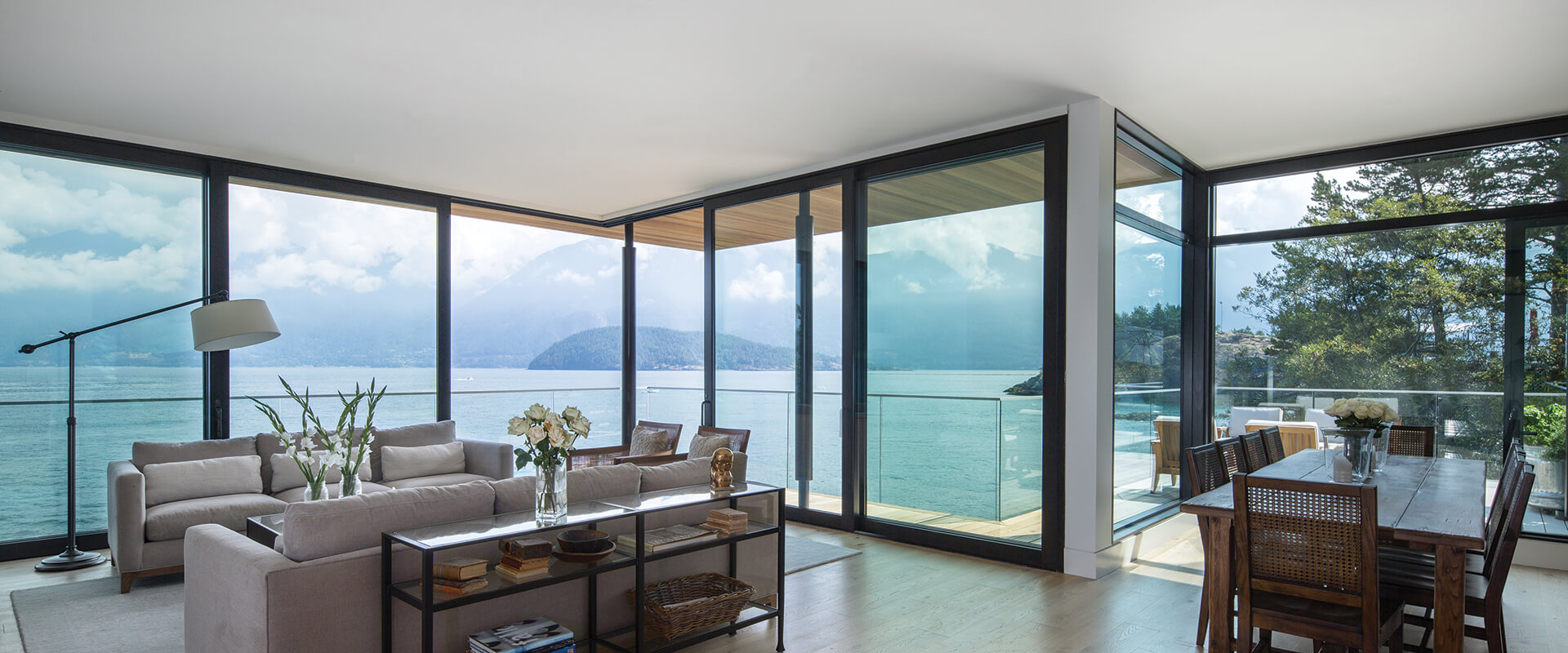 Cliffhanger Contemporary Home with TerraSpan Lift and Slide Door AH412