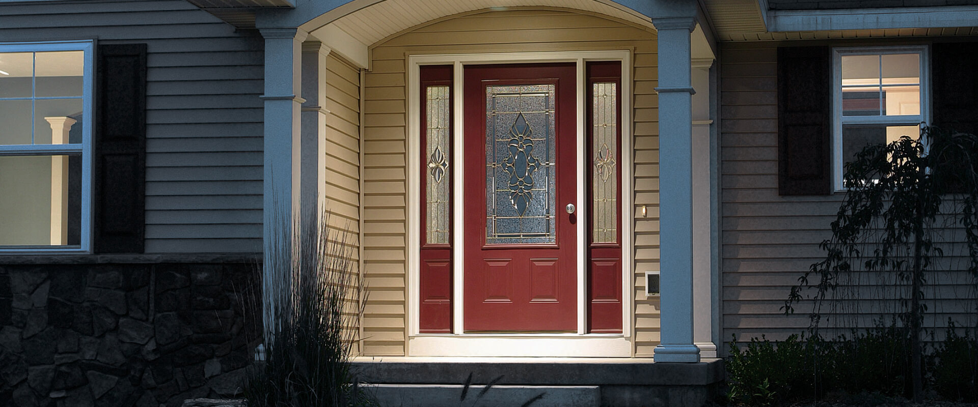 Standard Smooth fiberglass door panel 607 with Regency decorative glass.