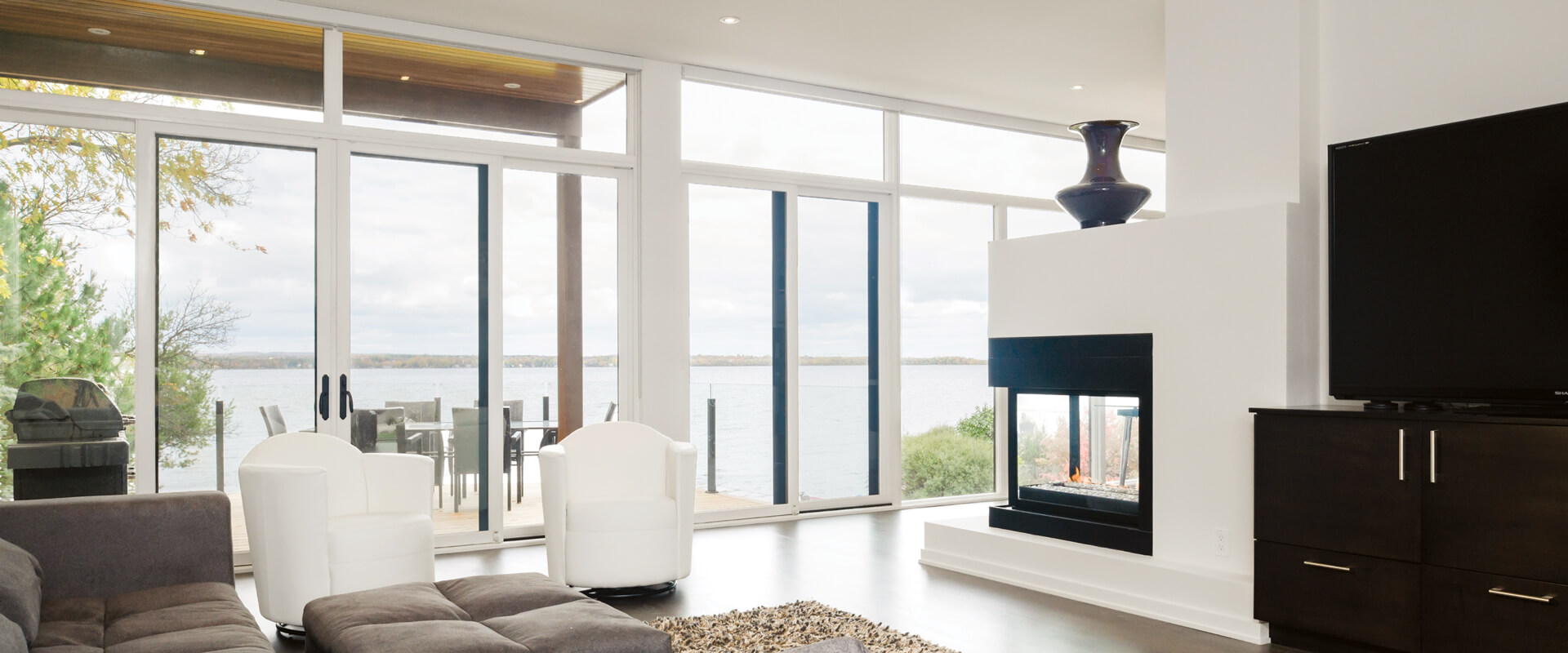 VistaLuxe Multi-Slide Door Interior